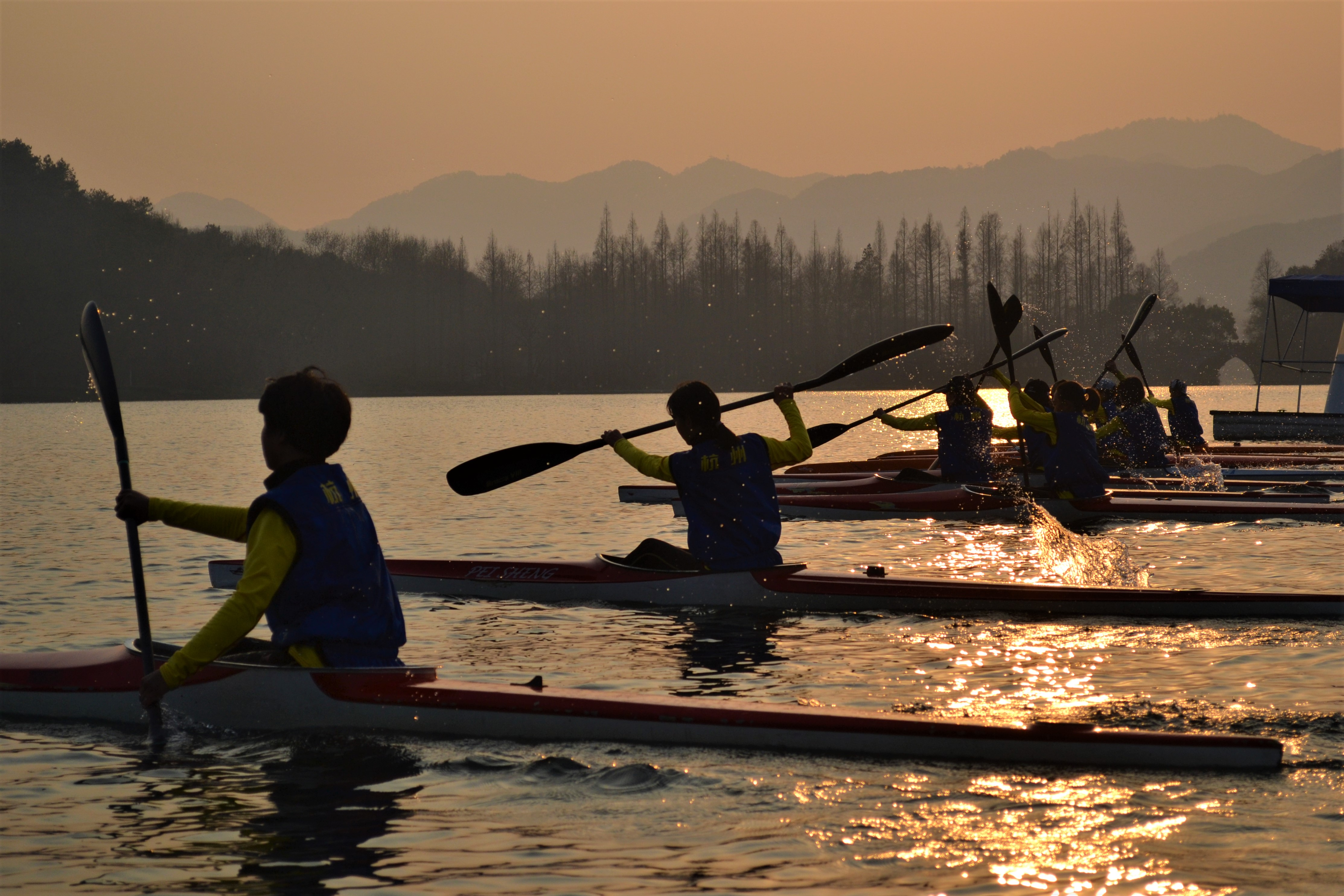 Kayaking on West Lake | ©Rachel Deason