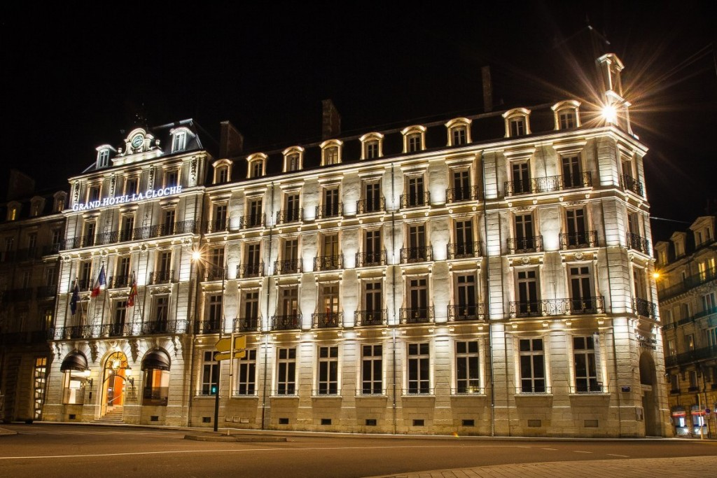 10 palaces in and around dijon you can actually stay in. Black Bedroom Furniture Sets. Home Design Ideas