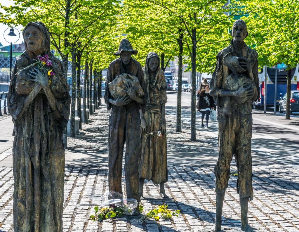 Famine Memorial by Rowan Gillespie | © William Murphy / Flickr
