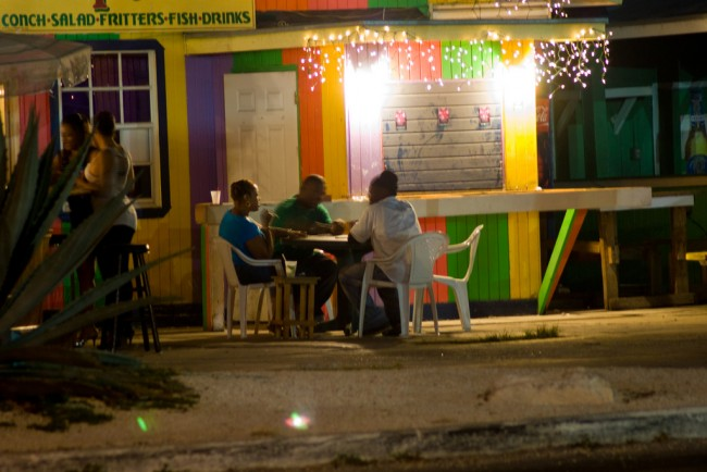 Late night dining at Fish Fry Arawak Cay| © Mark Bonica / Flickr