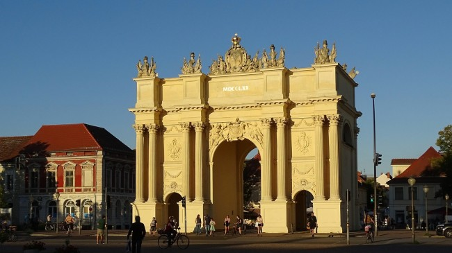 Potsdam's smaller, but older version of the Brandenburger Tor | © neufal54/Pixabay