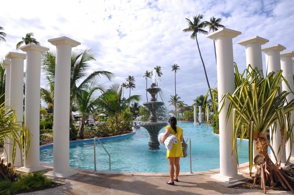 Gran Melia hotel pool