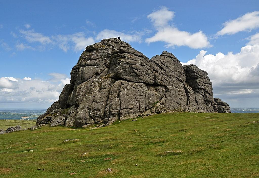 Haytor, Dartmoor © Nilfanion / Wikimedia