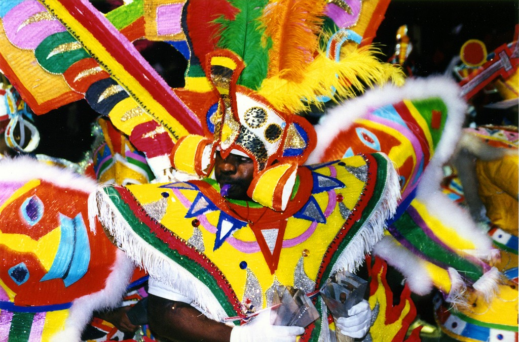 An example of Junkanoo Costume| © Christina Spicuzza/ flickr