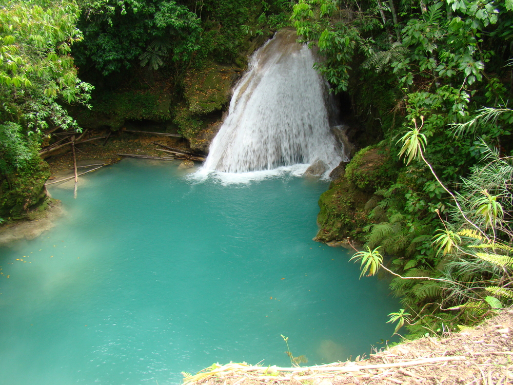 Blue Hole, Jamaica | © Mehdi Kasumov/Shutterstock