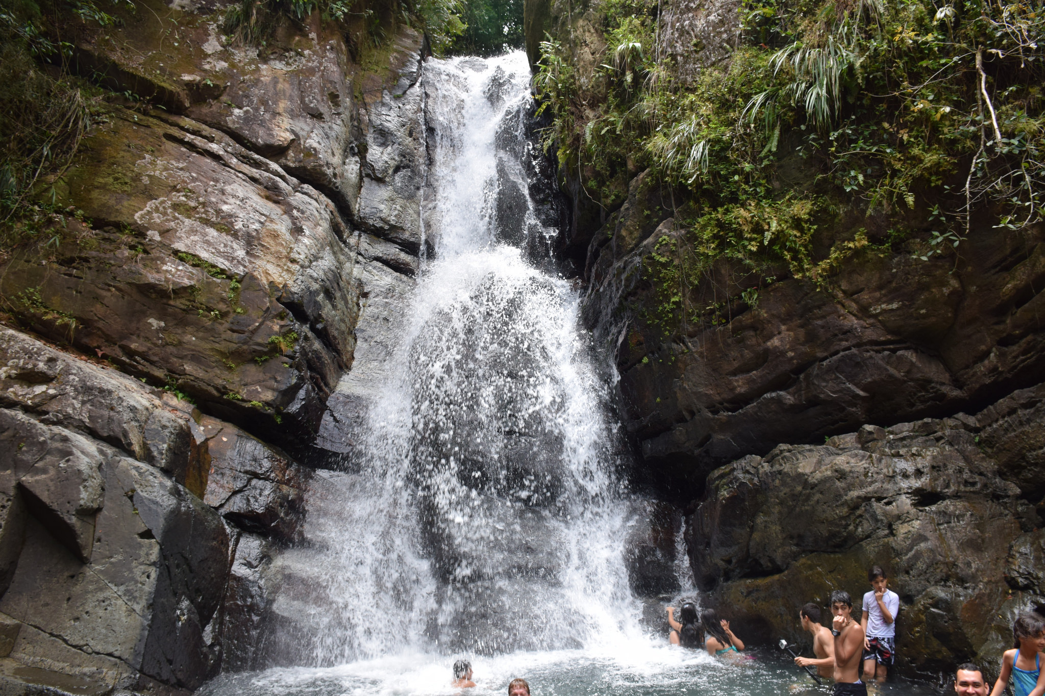 The most beautiful waterfalls in puerto rico for Waterfall it
