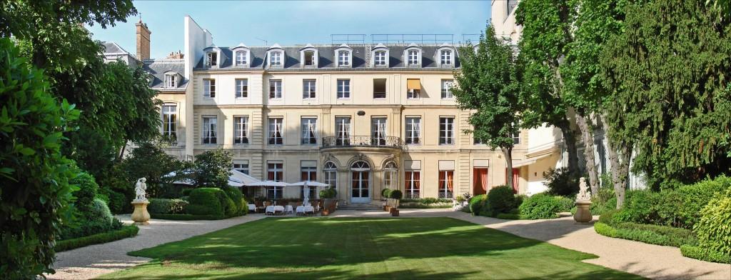 The history of paris 39 faubourg saint germain in 10 buildings for Au jardin de jean pierre inc