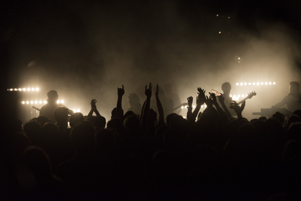 The party gets going at the Midi Festival | © Lothaire Hucki