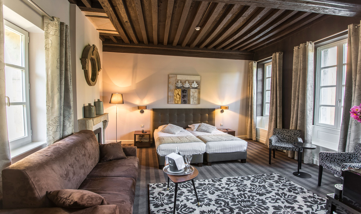 10 palaces in and around dijon you can actually stay in for Hotels dijon
