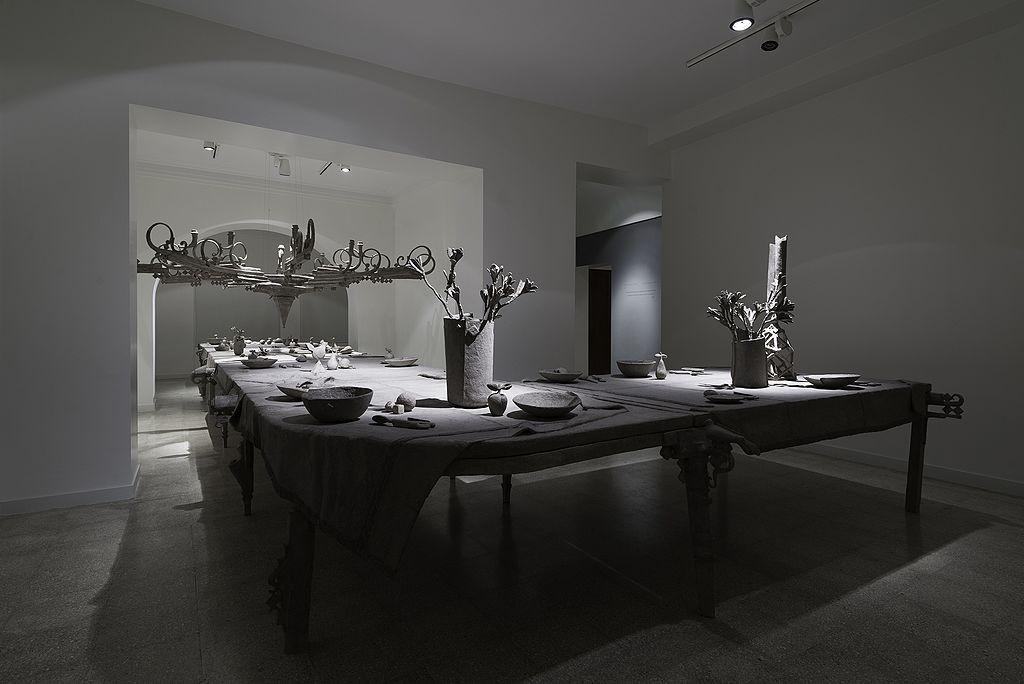 "Papier-mâché ""Life"" installation | © Leilasaj / Wikimedia Commons"