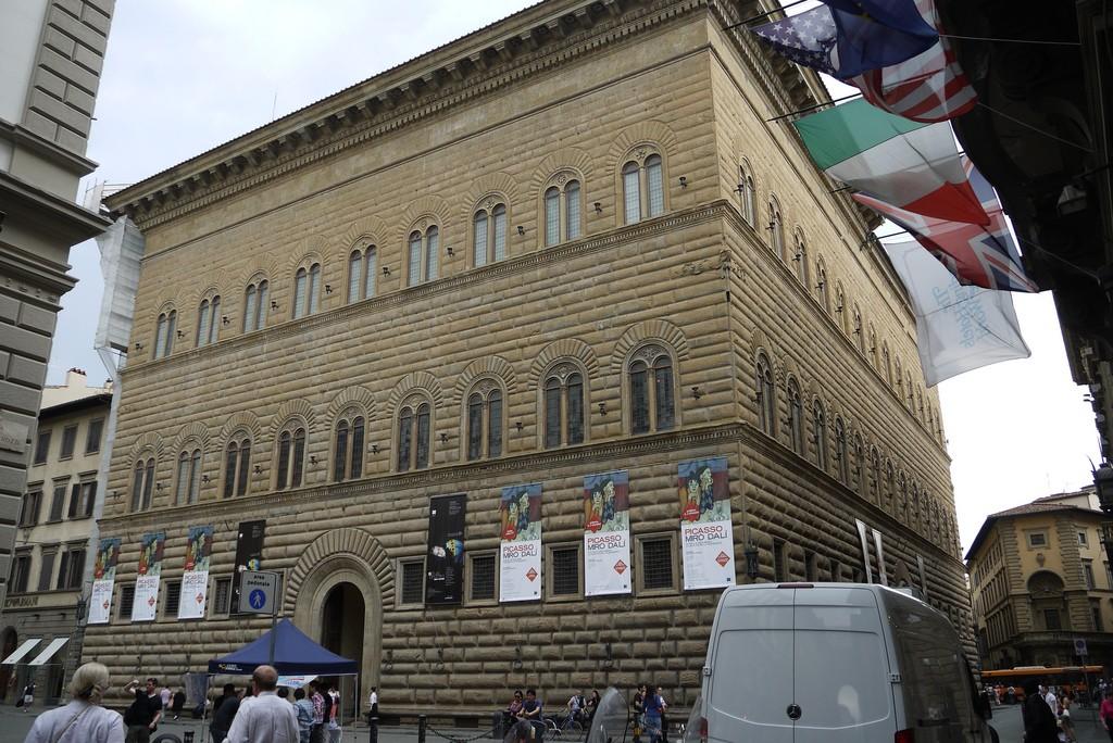 Palazzo Strozzi, Richard Enjoy My Life, Flikr