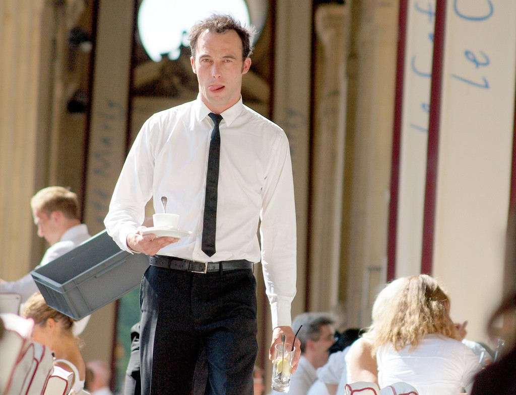 Paris waiter │© zoetnet / Flickr