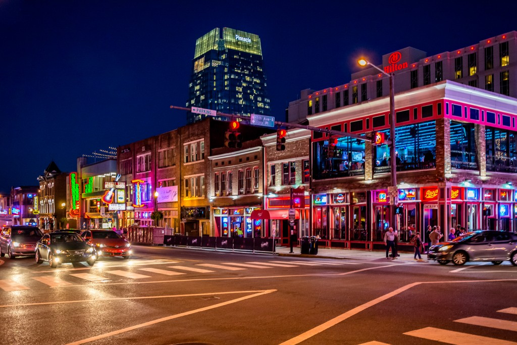 8 Photos That Prove You Really Must Visit Nashville At Night
