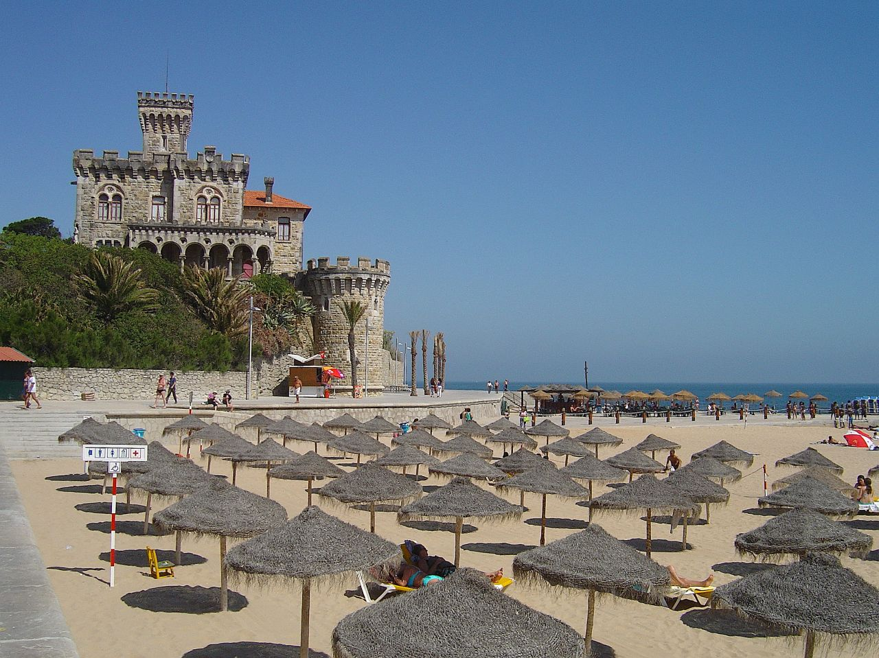 Tamariz beach © Portuguese_eyes / Wikimedia Commons