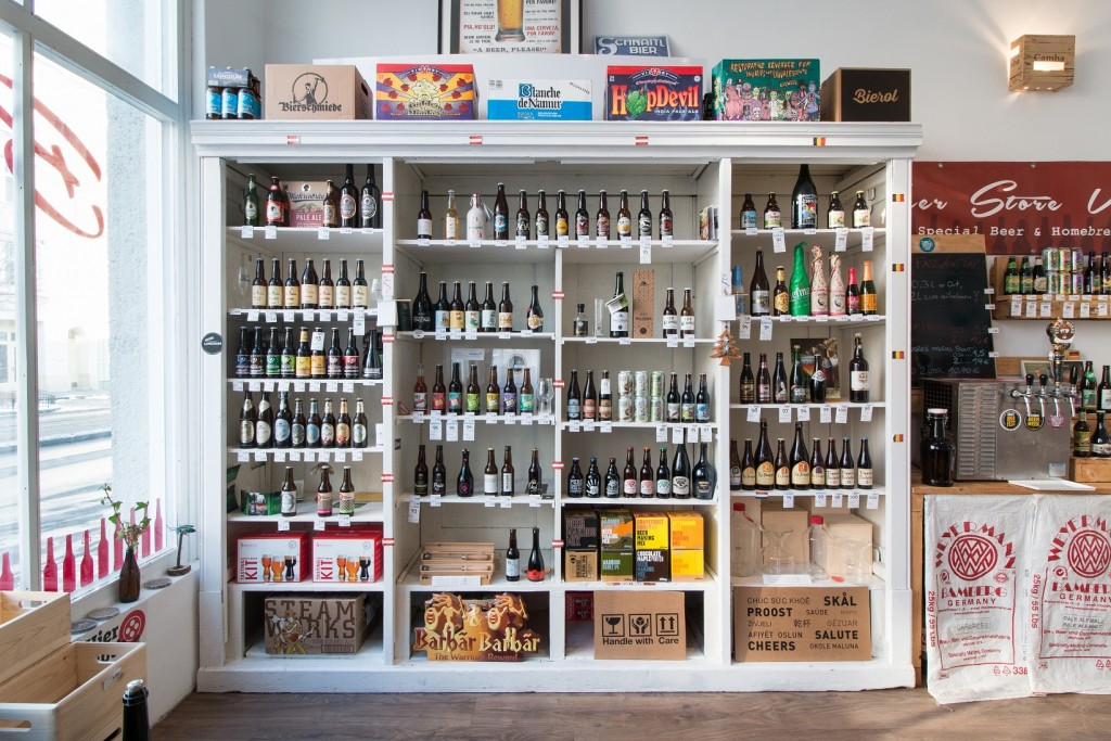 Full shelves at Beer Store Vienna | © Beer Store Vienna