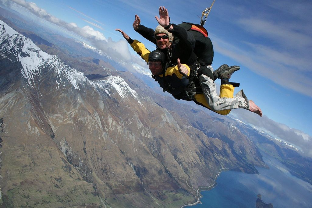 Tandem Skydiving in Queenstown | © Rob Chandler/Wikimedia Commons