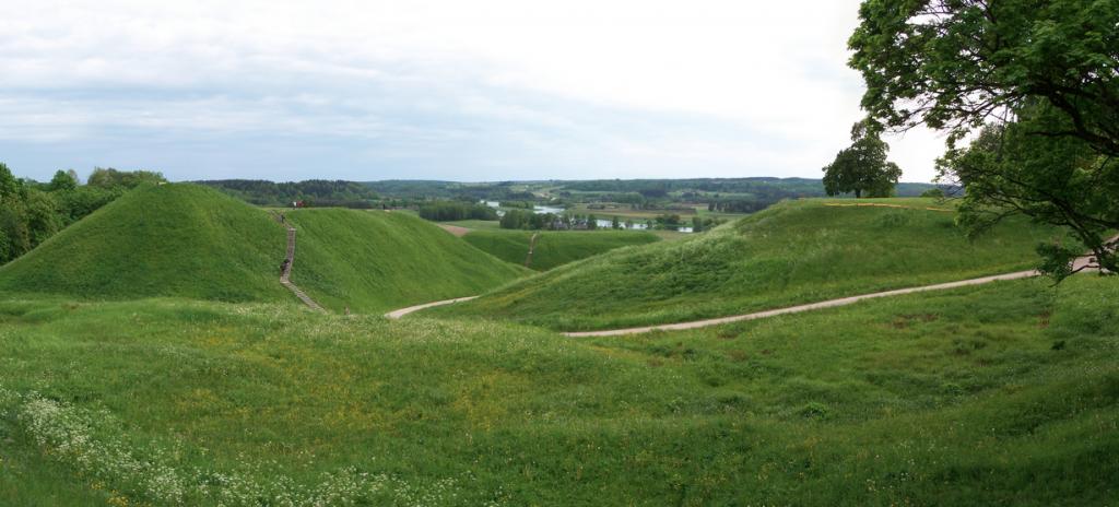 Kernave Mounds |©Lestat (Jan Mehlich)/Wikimedia Commons