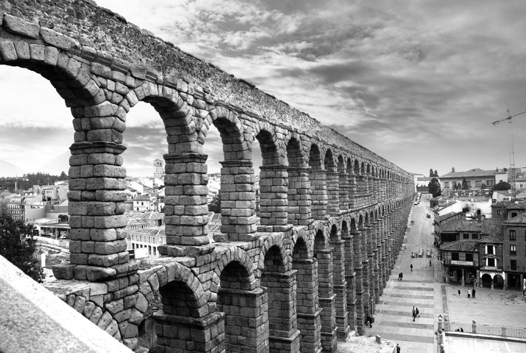 The aqueduct in Segovia, Spain | © Mathanki Kodavasal