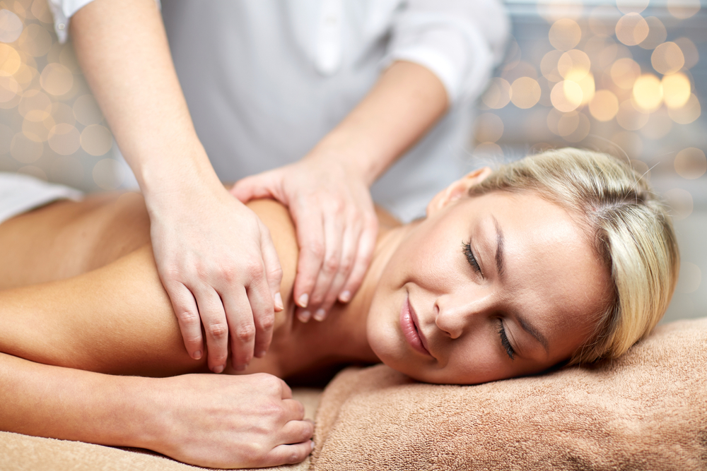 Massage | © Syda Productions / Shutterstock