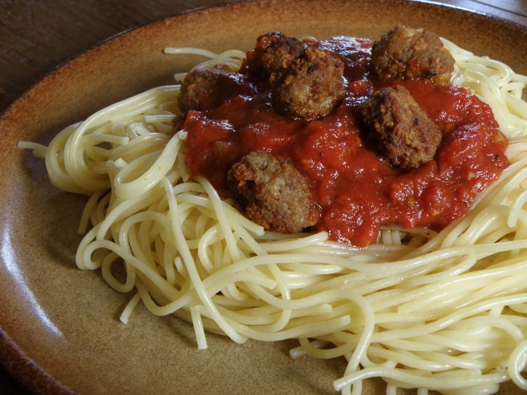 Spaghetti & Meatballs | © pixabay https://pixabay.com/it/spaghetti-polpette-pasta-pranzo-745468/