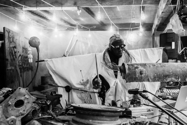 Steloolive in Performance at Nanoff Gallery, (c) Ofoe Amegavie