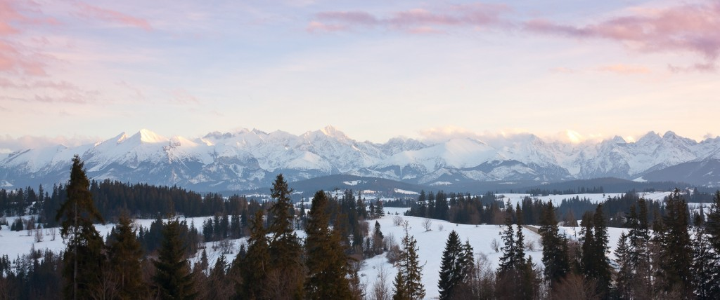 A panorama of Tatra Mountains, as seen from Kotelnica Białczańska | © Leszek Leszczynski/Flickr