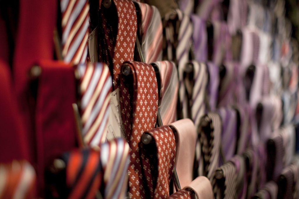 "<a href=""https://pixabay.com/p-1149342/?no_redirect "">Tie rack | © TooMuchCoffeeMan/Pixabay</a>"