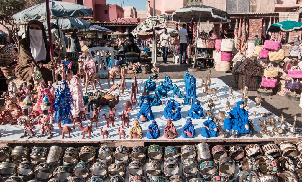 Assortment of trinkets in a Marrakesh souk   © EyeofJ / Flickr