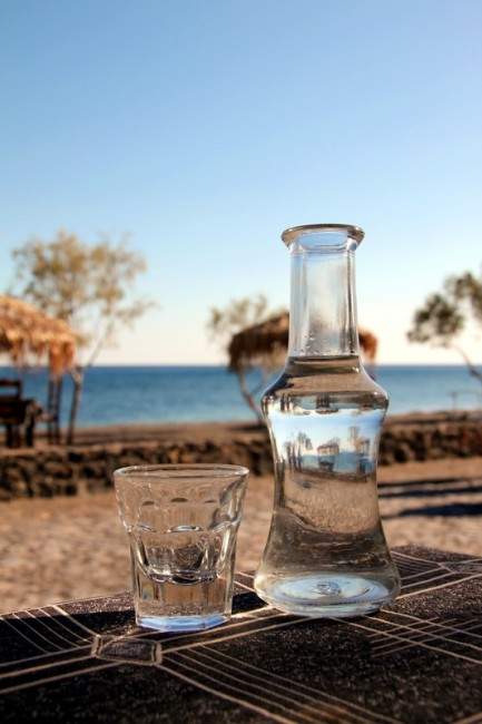 Tsipouro Pomance Brandy | © Klearchos Kapoutsis/Flickr