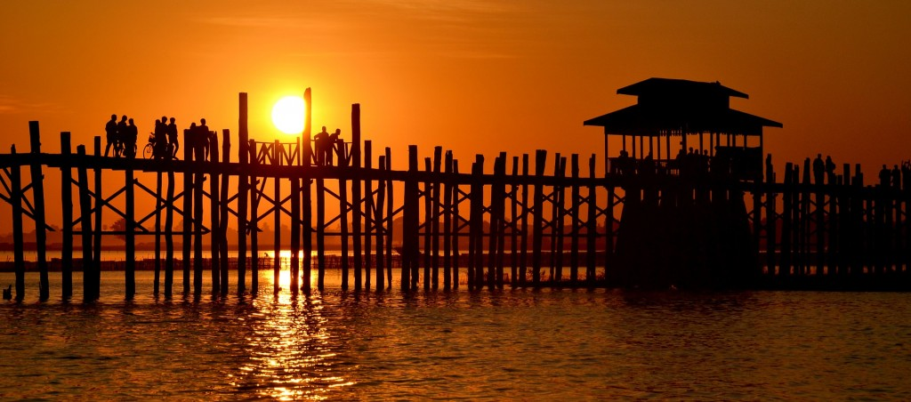 U Bein Bridge | © matthulland