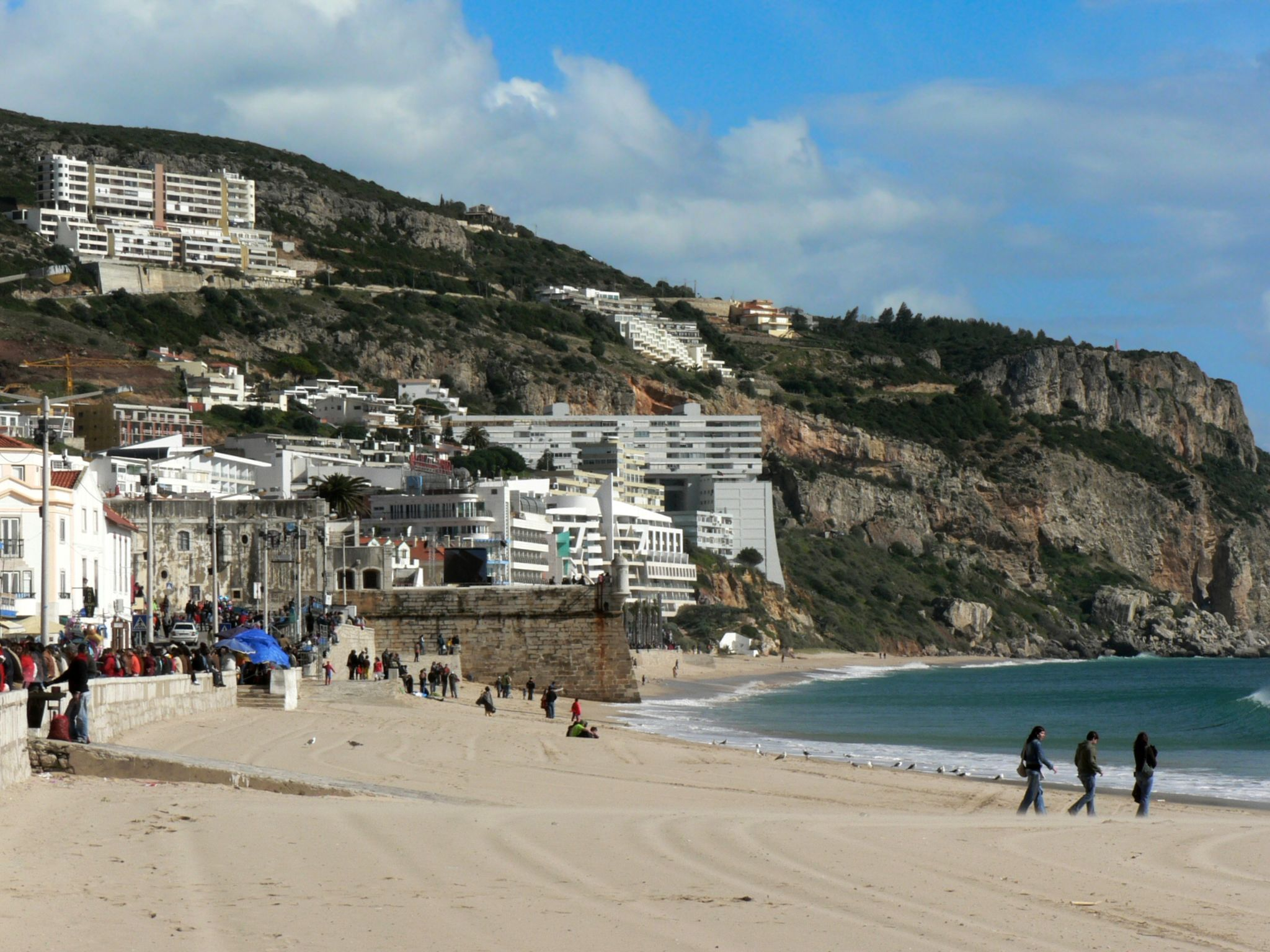 View of Sesimbra © Paulo Juntas / Wikimedia Commons