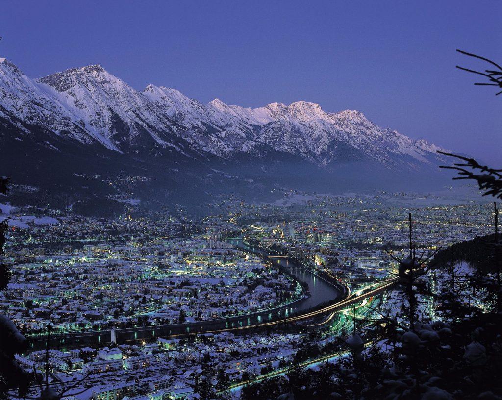 Innsbruck winter nighttime | © Österreich Werbung/Mallaun