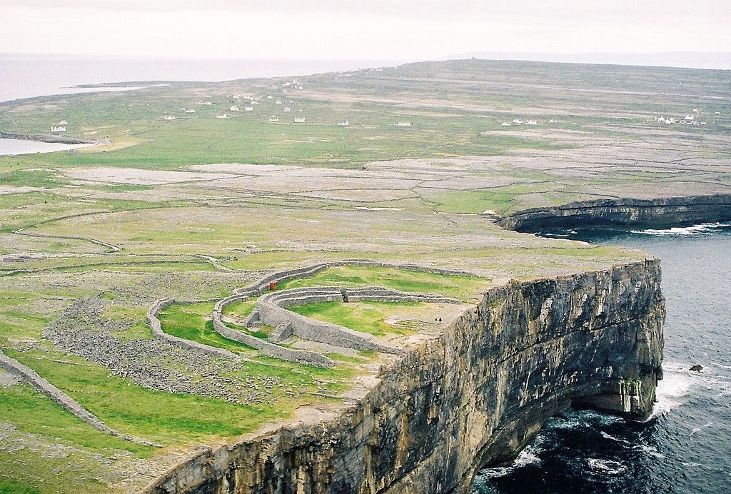 Dún Aengus Promontory Fort   © Ronan Mac Giollapharaic/WikiCommons