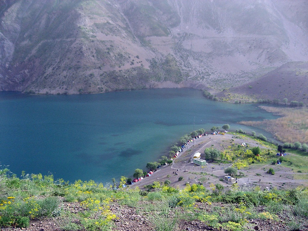 Gahar Lake is a major attraction of Lorestan | © AuthorHamid Soufi / Wikimedia Commons