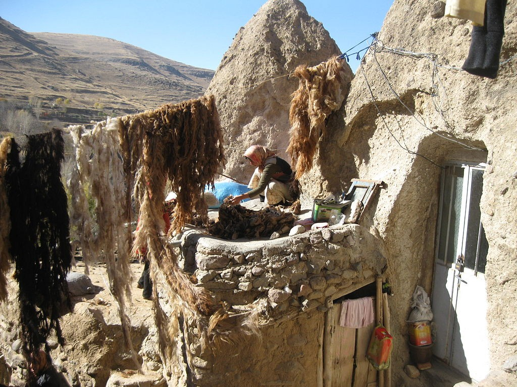 The cone shaped homes of Kandovan have been carved in volcanic rock | © Mardetanha / Wikimedia Commons