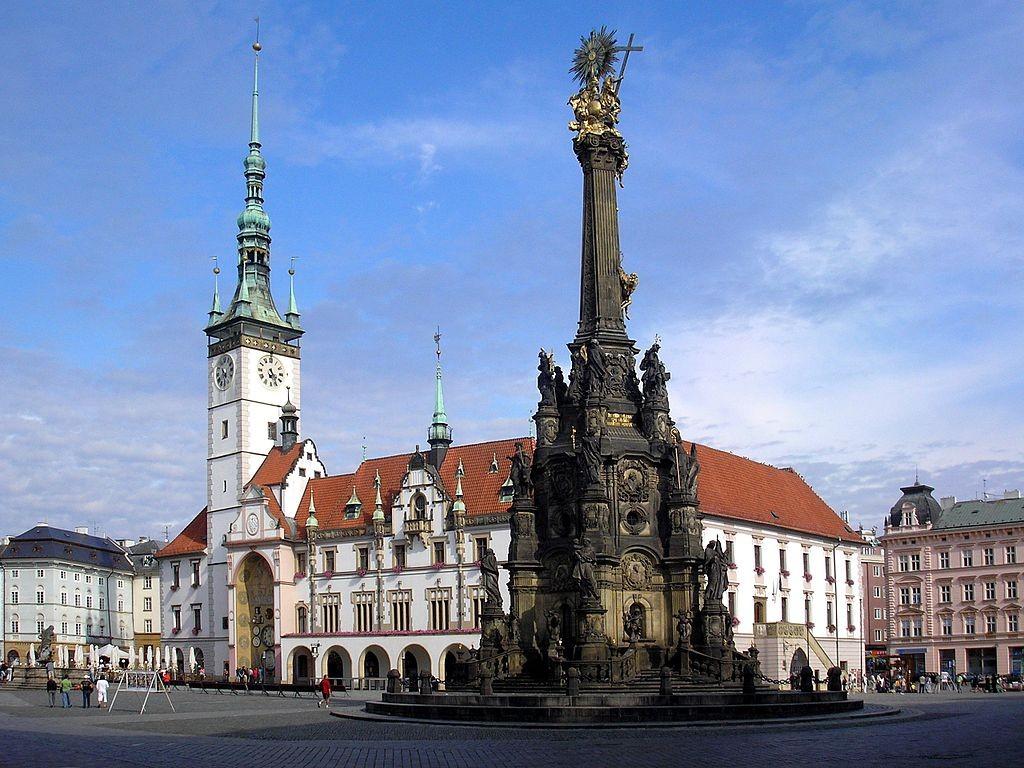 Trinity Column in the center of town   ©Dominik Tefert./ Flickr