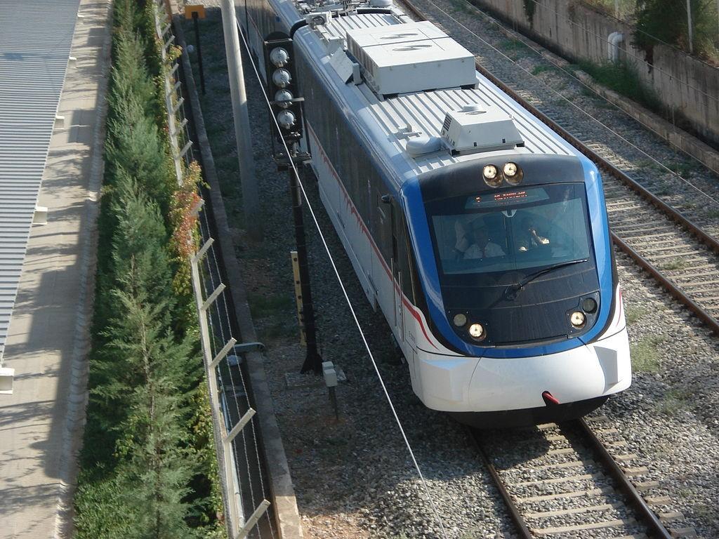 Izmir Metro | © Hic85/Wikimedia Commons