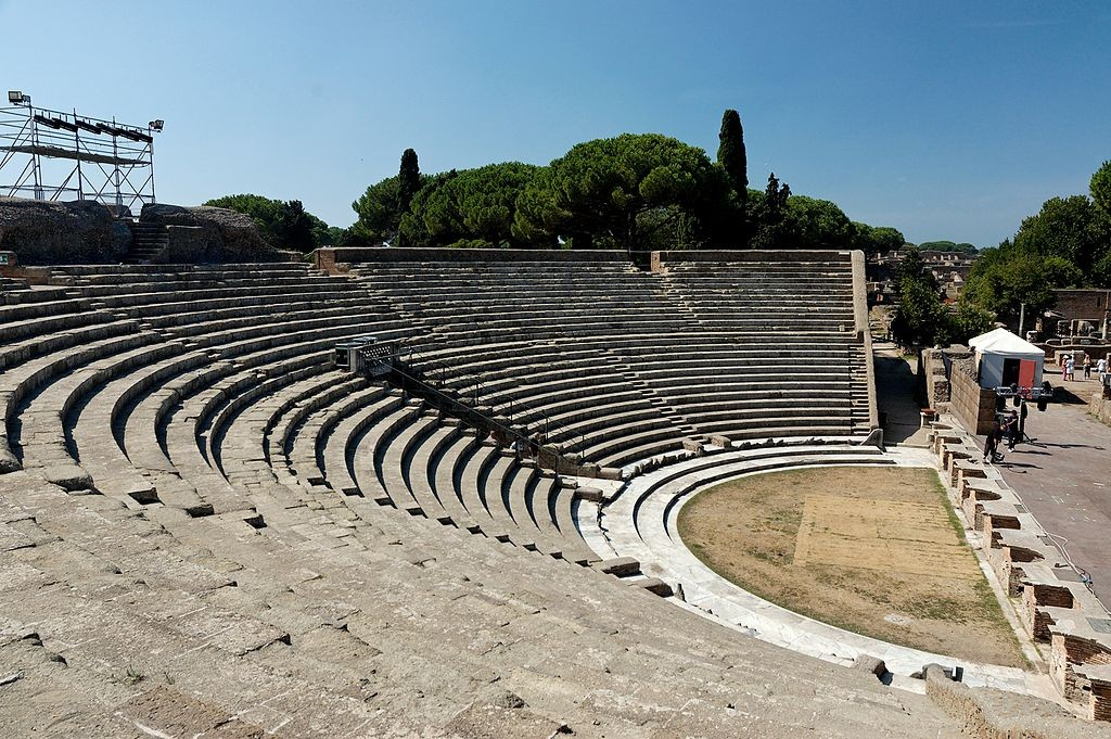 Ancient theatre | © Marie-Lan Nguyen/wikicommons https://commons.wikimedia.org/wiki/File:Teatro_Ostia_Antica_2006-09-08_n2.jpg