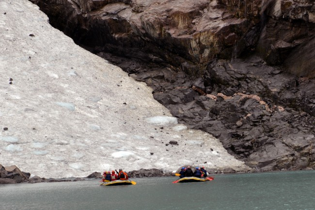 Rafting in a glacial lake | © Harvey Barrison / Flickr