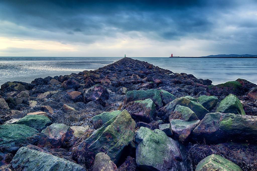 Walking towards the sea | © Miguel Mendez/Flickr