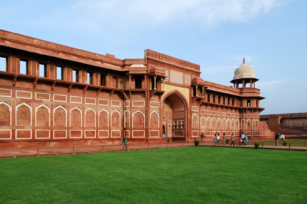 Inside Agra Fort |©Sanyam Bahga / Flickr