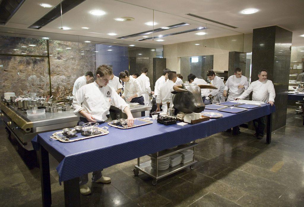 Chef Ferran Adrià at former El Bulli restaurant | ©Charles Haynes / Wikimedia Commons