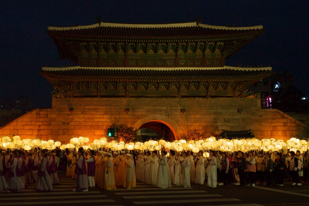 Lotus Lantern Festival Parade in Seoul | © travel oriented / Flickr