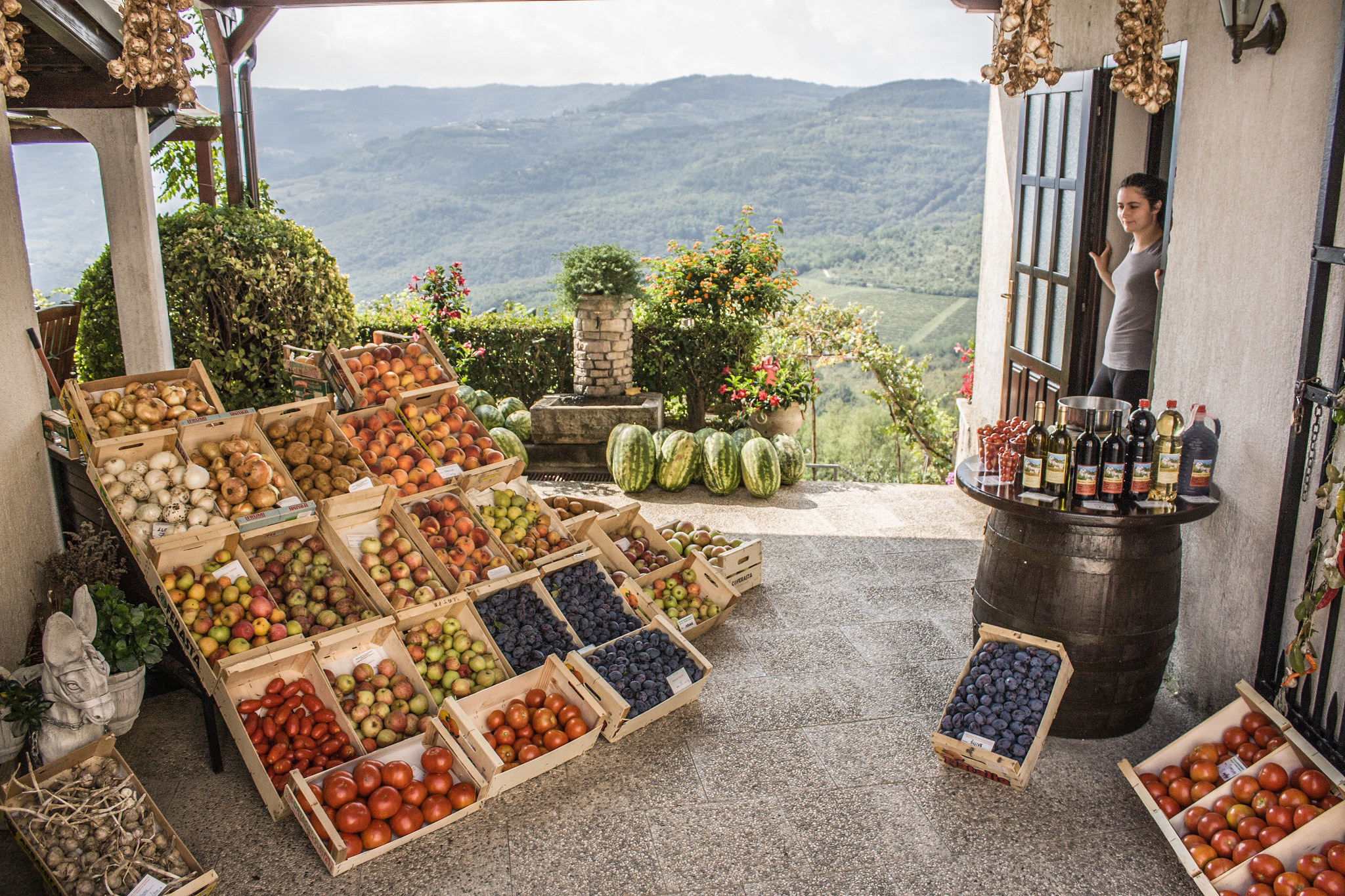 A small stall in Motovun © Shadowgate