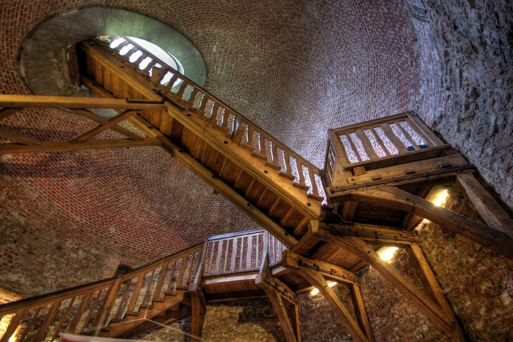 Stairs penetrating the roof of the tower | © Till Krech/Flickr