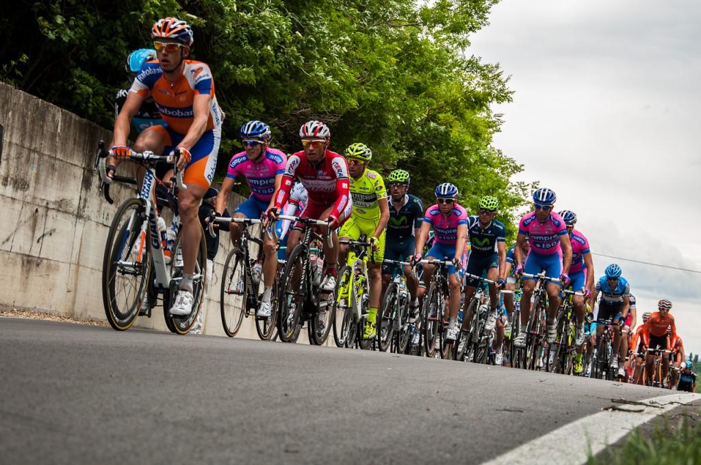 Giro d'Italia bike race | © David.78/wikicommons https://commons.wikimedia.org/wiki/File:16_may_2012_giro_d_italia_Peloton.jpg