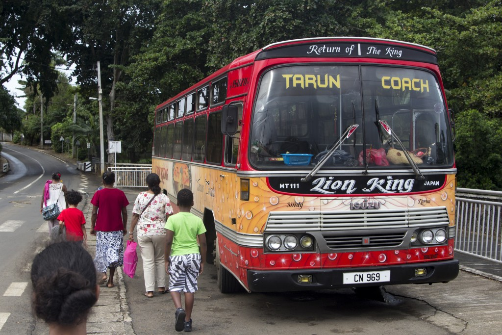 Bus in Mauritius|© Egidio Mauricio/FlickR https://www.flickr.com/photos/egidiomaurizio/17050616706/