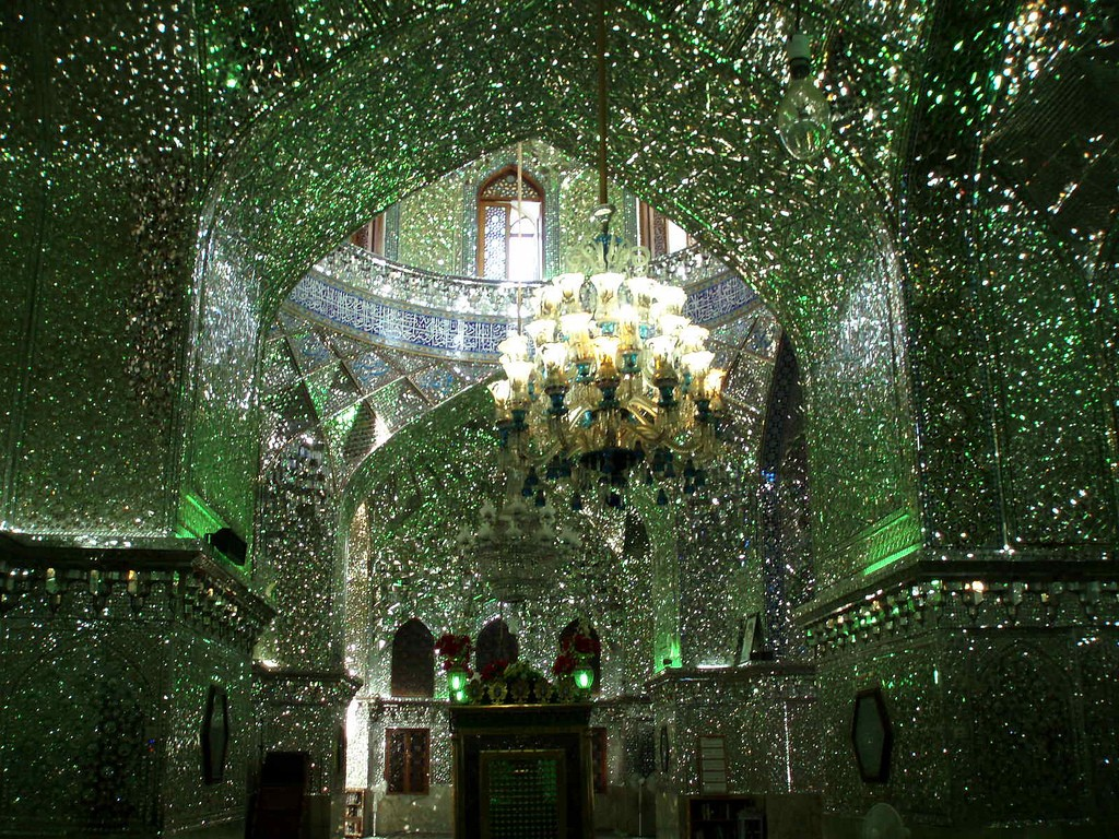 The inside of Shah Cheragh has mirror work instead of mosaics | © DAVID HOLT / Flickr