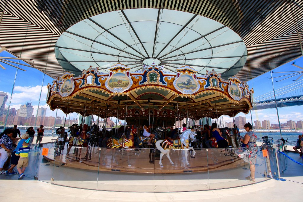 Shinya Suzuki | Jane's Carousel | © Flickr