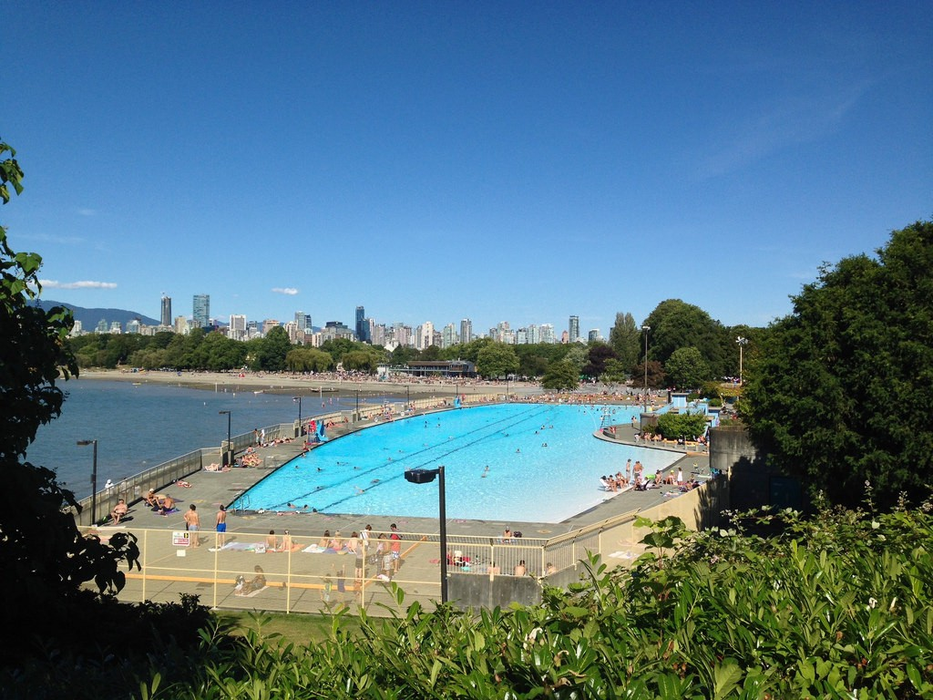 City views from Kitsilano Pool and Beach | © Kyle Pearce / Flickr